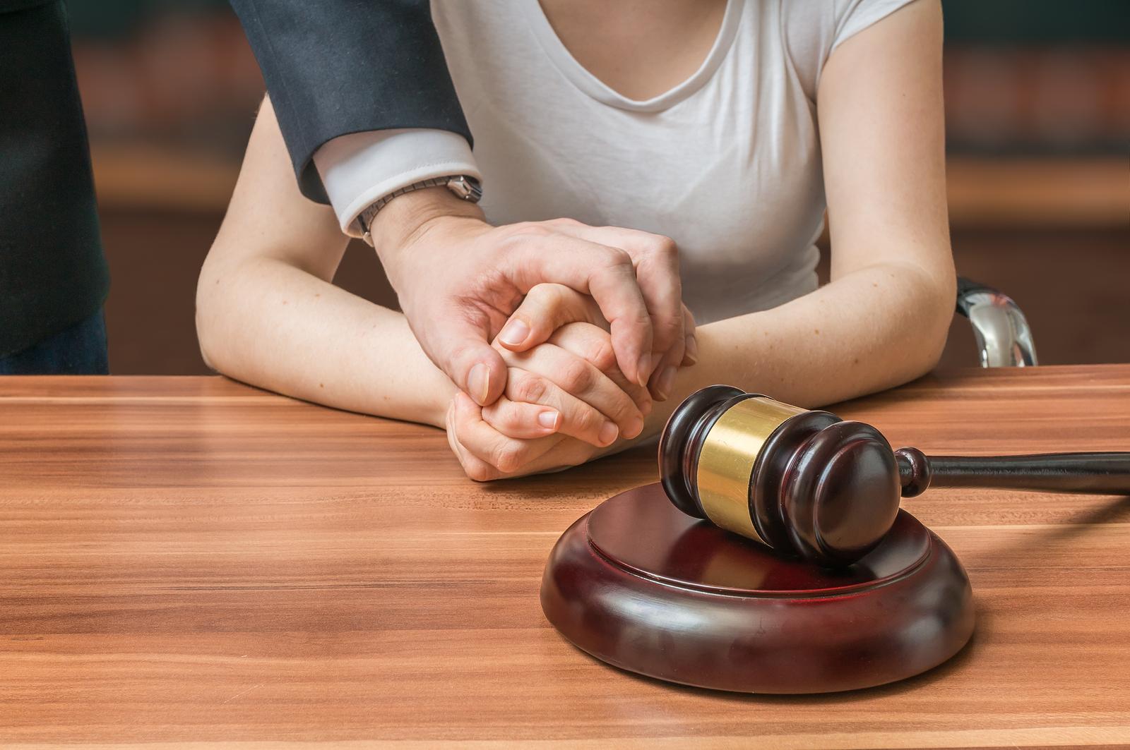 Адвокат потерпевшего, свидетеля и истца